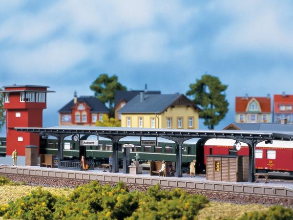 Auhagen Bausatz Bahnsteig Nenngröße H0